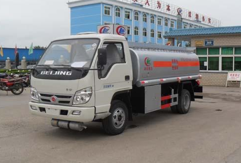 福田时代小卡加油车 车辆运载安全平稳