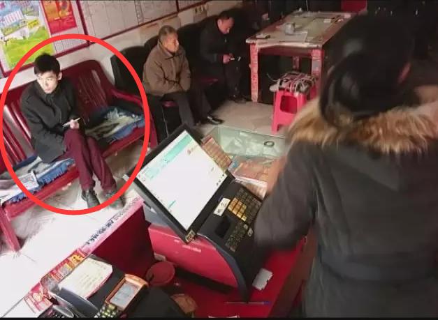 南郊一彩票店数千元刮刮乐被盗 监控拍下全程(高清)
